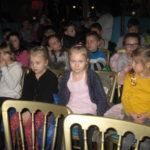Uczniowie podczas przedstawienia.
