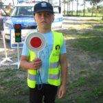 Uczeń z policyjnym lizakiem.